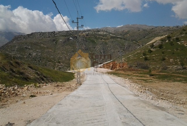 land for sale in zahle wadi el arayesh suitable for villa
