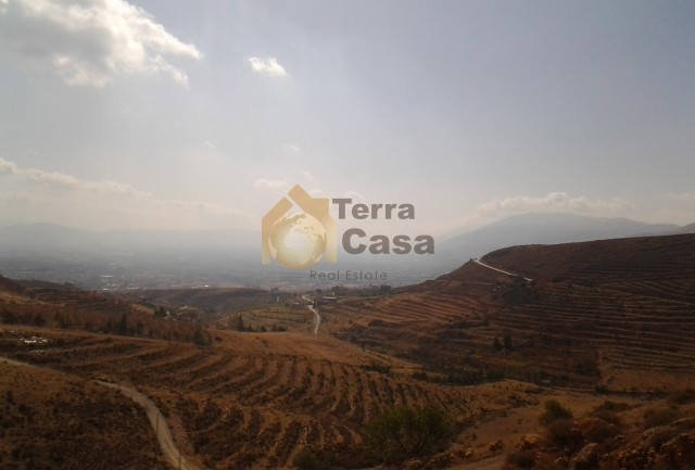 land with panoramic view .