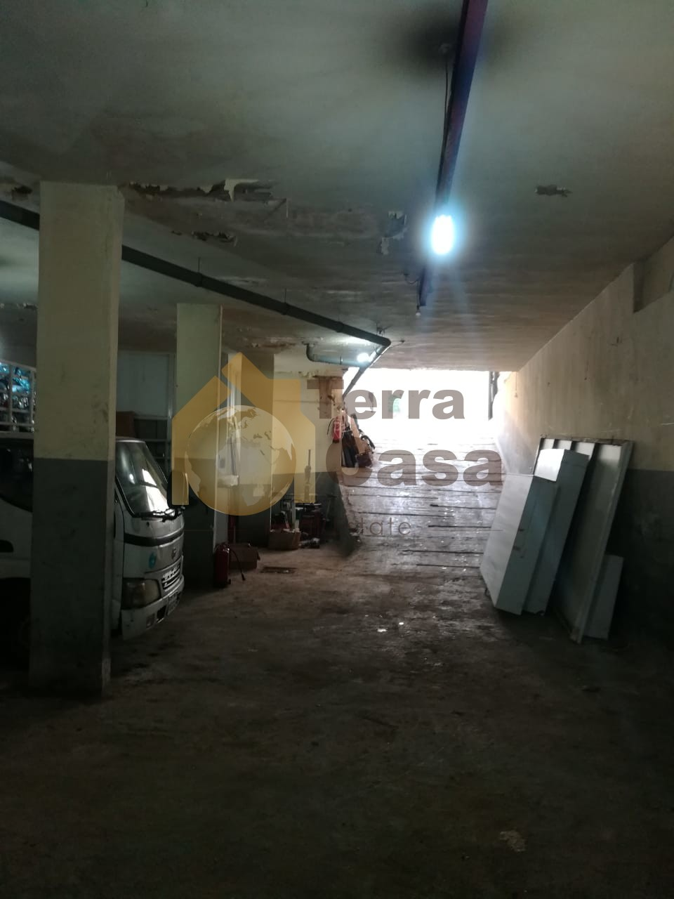 Warehouse for sale in jdeideh with pick up entrance