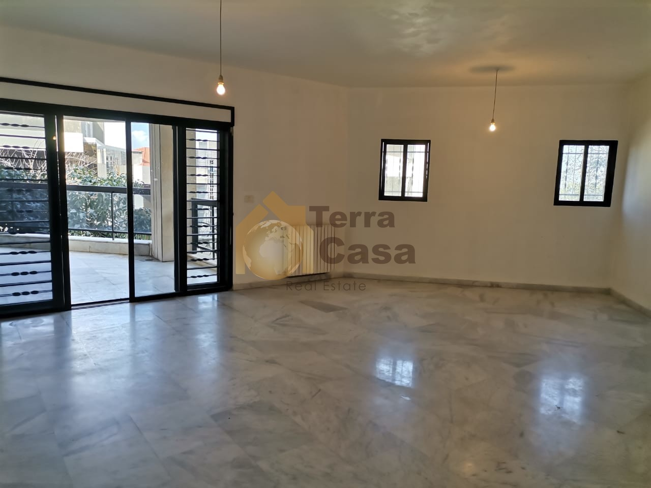 Apartment with 75 sqm garden cash payment