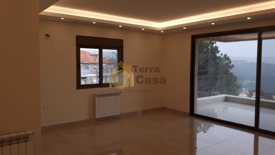Brand new apartment panoramic view cash payment.