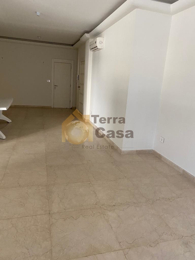 Apartment with 100 sqm terraces cash payment.