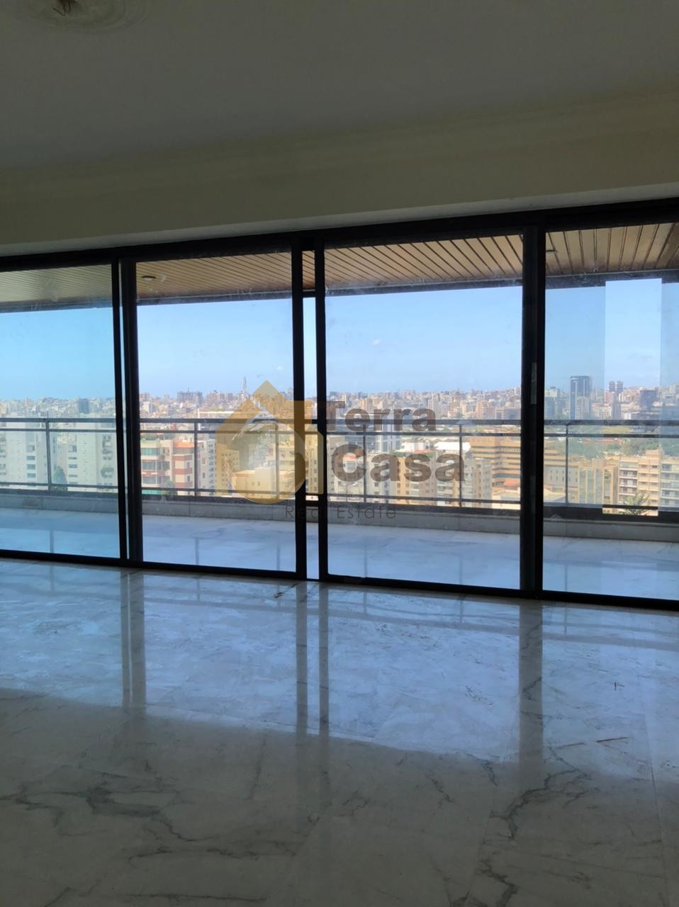 Luxurious apartment shared pool cash payment open view.