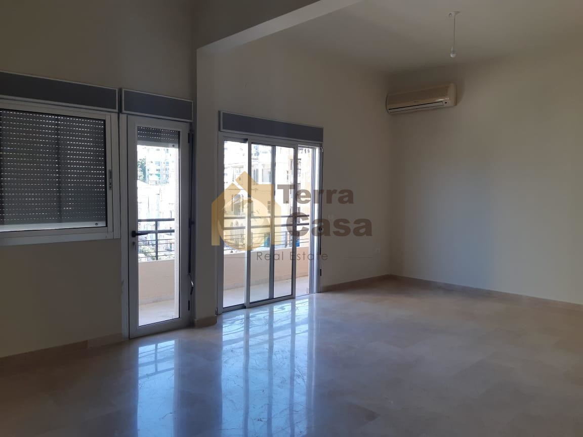Apartment for rent cash payment.