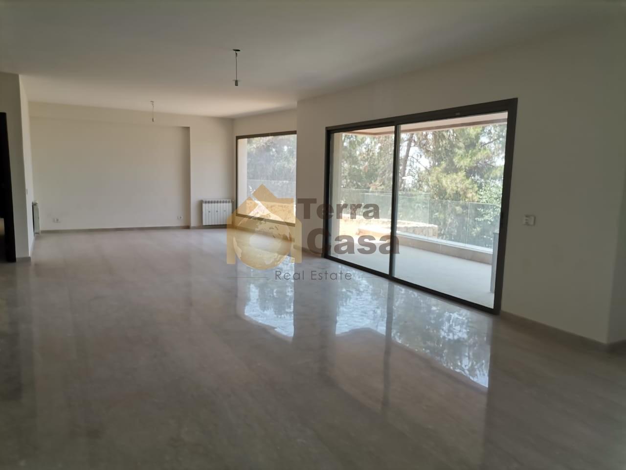 luxurious apartment 180 sqm terrace cash payment.