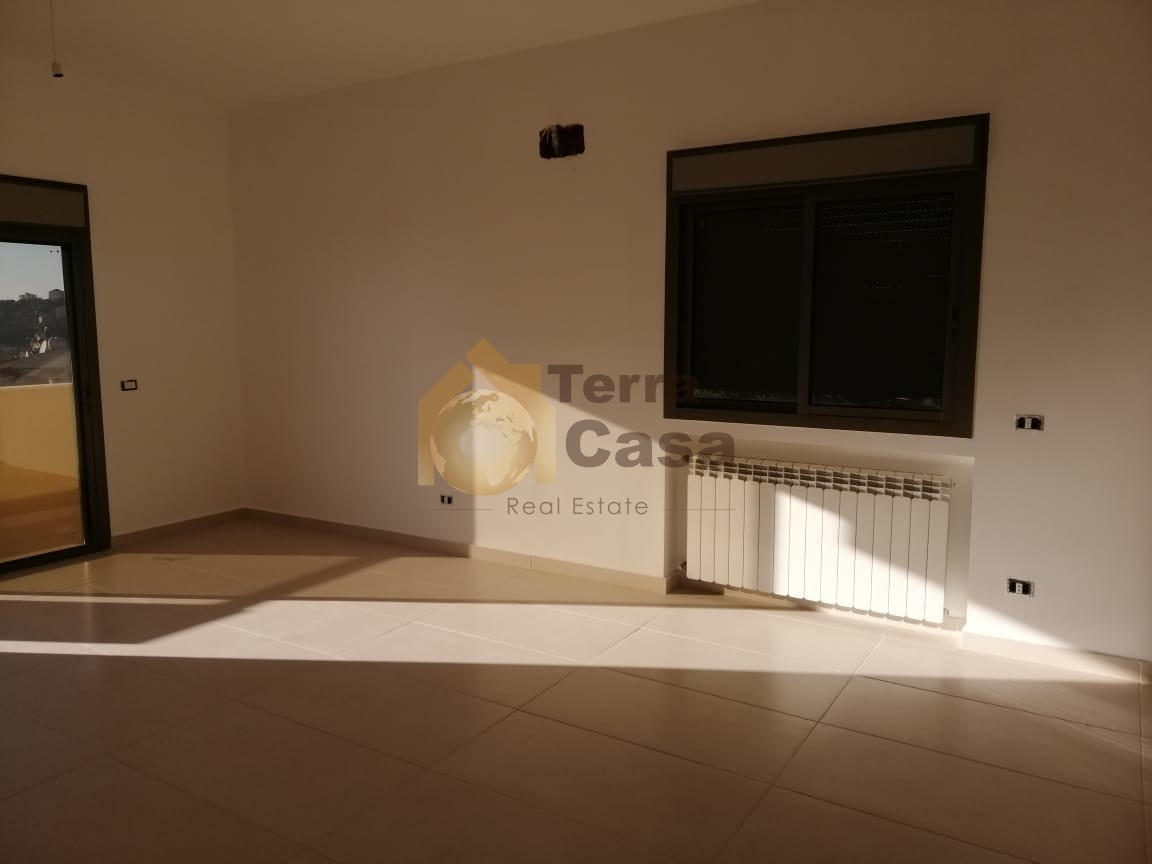 Apartment  for rent in Achkout  located in nice area cash .