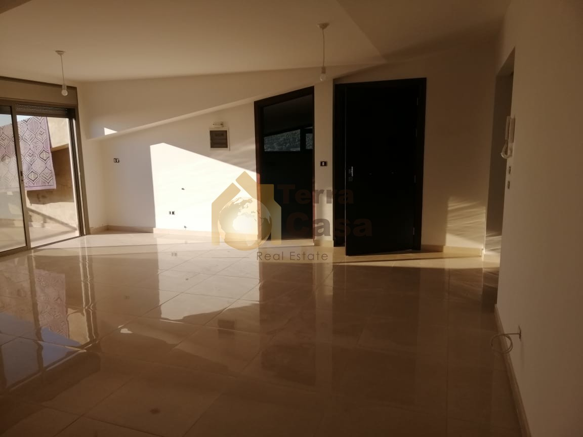 Apartment  for sale  in Achkout  located in nice area mountain view