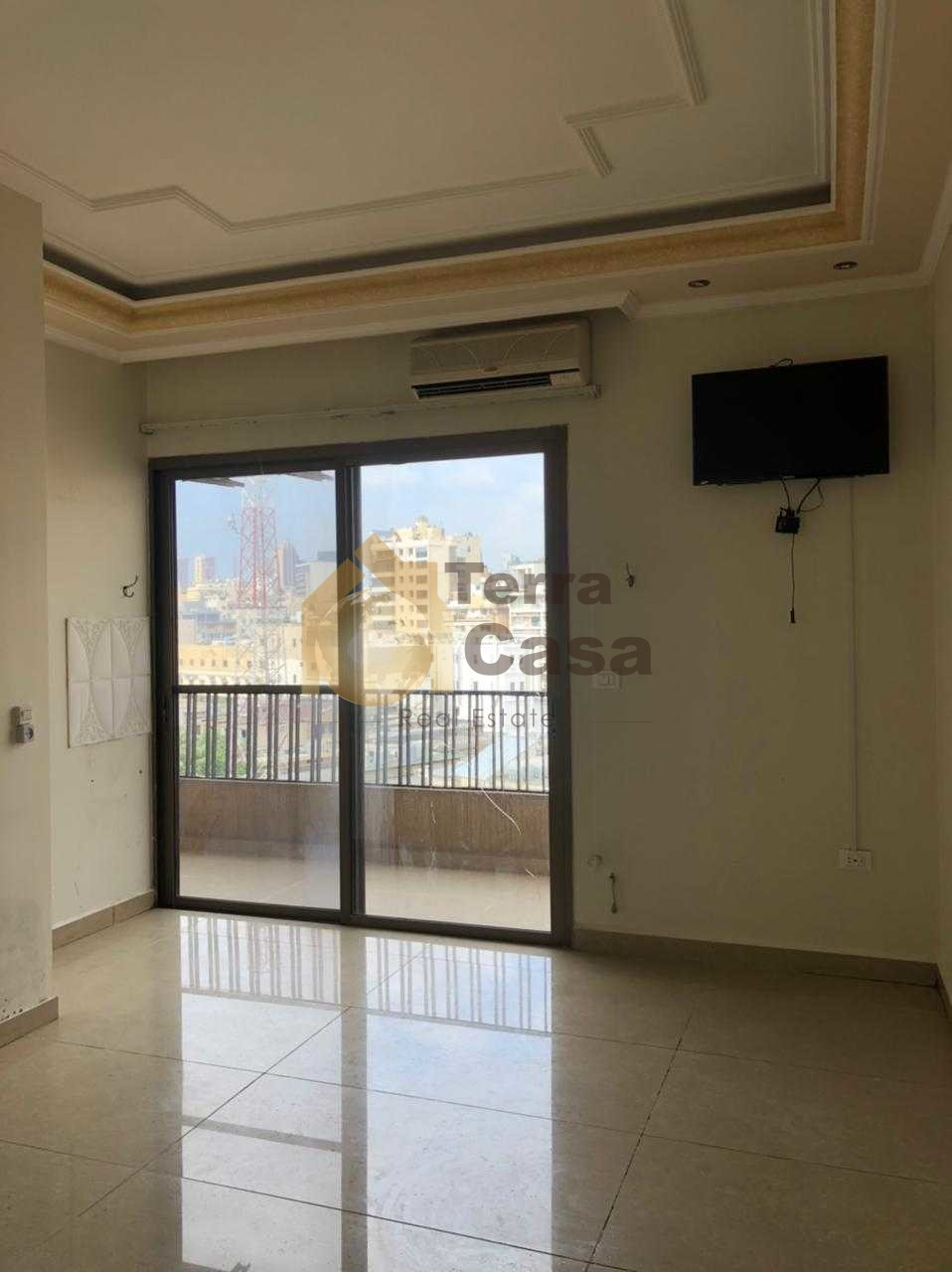 Semi furnished apartment cash payment.
