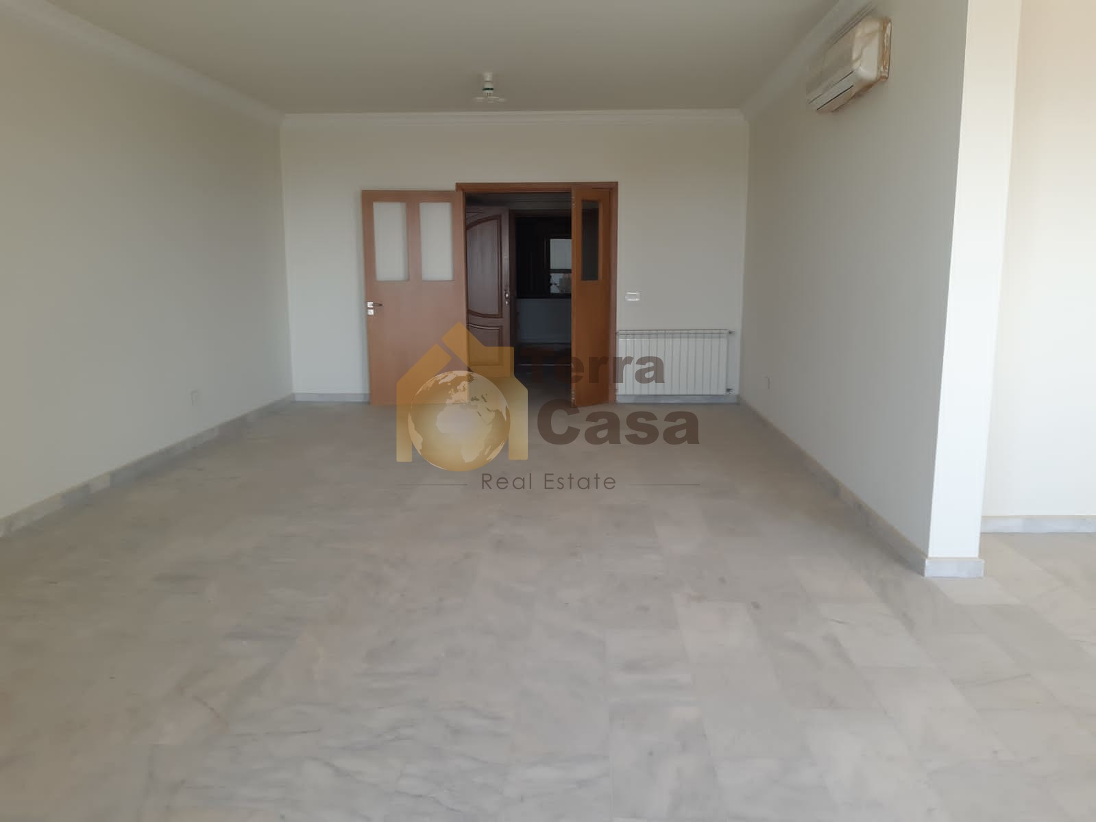 Fully decorated apartment nice view cash payment.