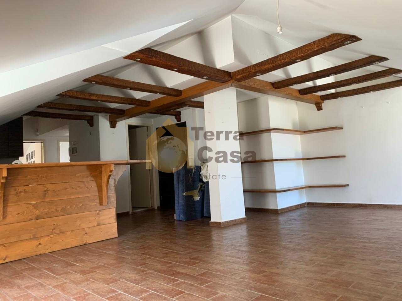 Rooftop with terrace 80 sqm cash payment.