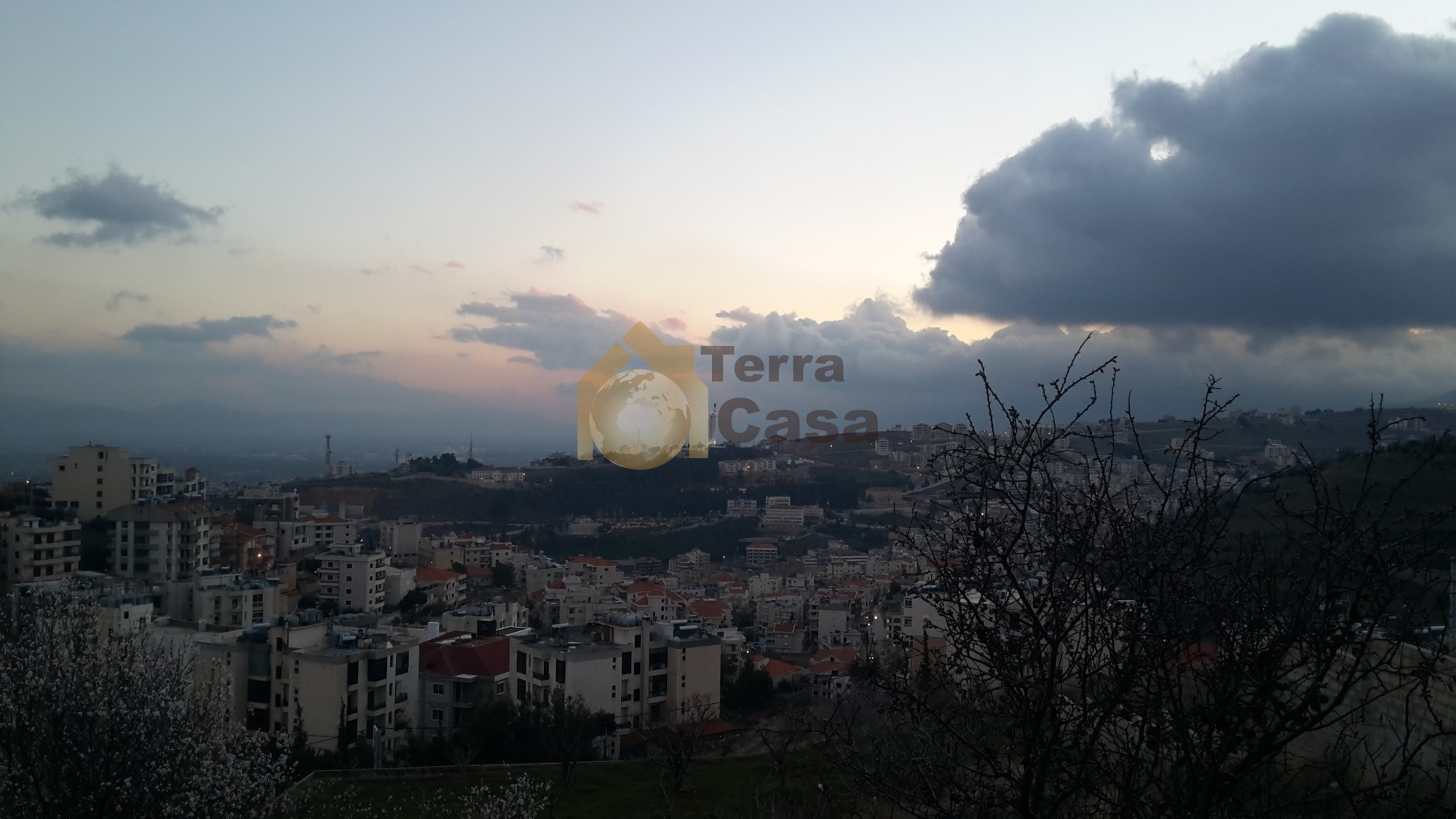 land for sale in zahle with panoramic unblock able view with uncompleted house